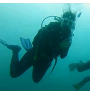 Emma Dive 2